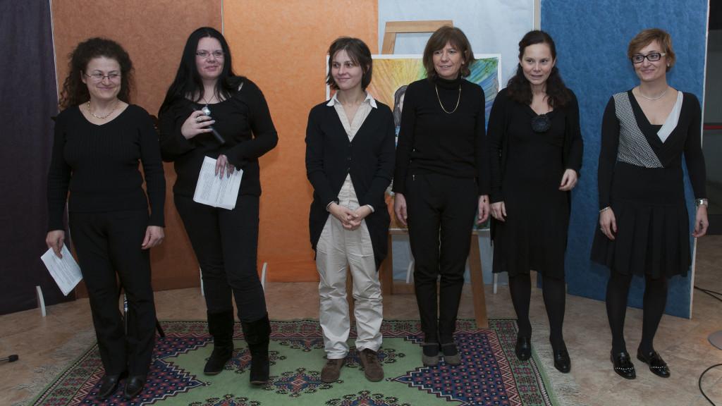 Formazione di Pandora-Innocenza: Carmela Bortolotti, Barbara Favaro, Miriam Gotti, Francesca Garioni, Silvia Ruberti, Francesca Martinelli